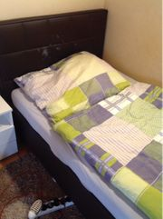 Polsterbett mit Lattenrost und Matratze