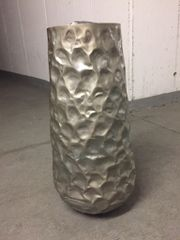 Designer Vase aus Eisen in