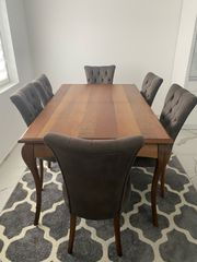 Ausziehbarer Esstisch aus Holz mit