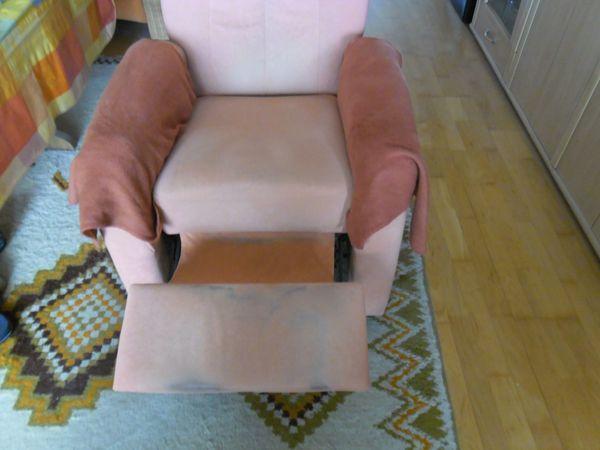 Fernsehsessel Liegefunkt u 2-Sitzercouch zu