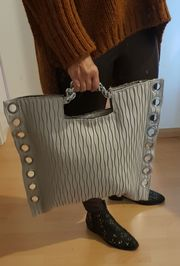 Handtasche - Umhängetasche - grau