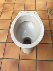 Toilette mit Spülkasten bahamabeige Villeroy