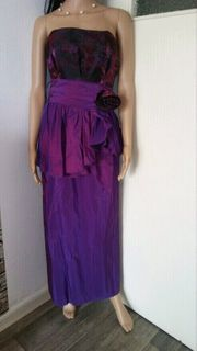 Glamouröses Abendkleid mit Rückenausschnitt GR