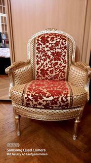 Prunkvoller Sessel wahrhaft königlich zu