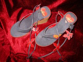 Schuhe, Stiefel - Kult-Schuh Levis-Sandalen Gr 38 Keilabsatz