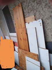 Holzreste oder Brennholz