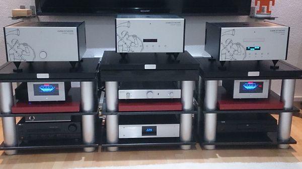 Audio Racks aus Granit Burmester