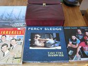 LP-Koffer mit 25 LP-Schallplatten mit