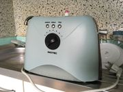 Schöner grau blauer Retro Toaster