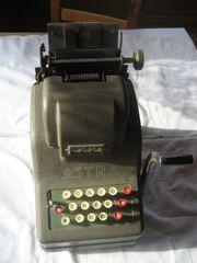 Liebhaberstück alte Rechenmaschine von ASTRA