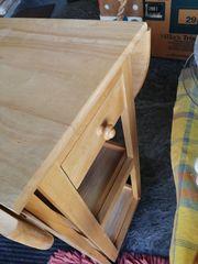 Praktisches Küchenelement - Tisch mit integrierten