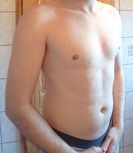 Er sucht Sie (Erotik) - Biete meinen Körper für Erotik