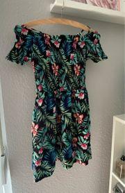 Sommerkleid mit tropischen Print