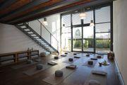Stimmungsvolles Loft - Raum für Yoga