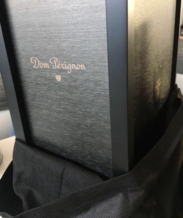 Dom Perignon Vintage 2008 Champagner - Nürtingen Neckarhausen - Angeboten werden 2 Flaschen Dom Perignon Vintage 2008 Champagner 0.75 l und eine sehr schöne Aufbewahrungs-Alu Box mit Stoffbezug und Zertifikat Platz für 3 Flaschen Champagner! Die Box ist Dom Perignon Vintage 2000 Champagner! - Nürtingen Neckarhausen
