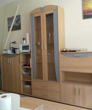 Wohnzimmerschrank mit Glastüren dreiteilig
