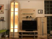 Schöne helle Wohnwand in Ahorn-