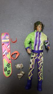 Ken mit Snowboard