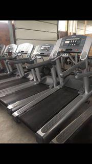 Life Fitness 95Ti Laufband Fitnessstudio