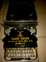 Reiseschreibmaschine Klein-Adler 1920 Jahre