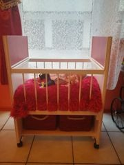Selbst gebautes Puppenbett