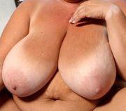 Brüste - Massagen für ältere Damen