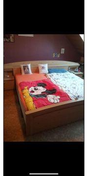 Bett Doppelbett Nachtisch