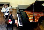 Professioneller Klavierunterricht Keyboardunterricht für Kinder