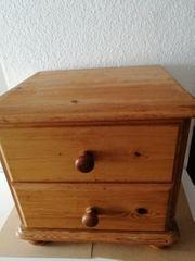 1 Nachttischschränkchen Kiefer Massivholz