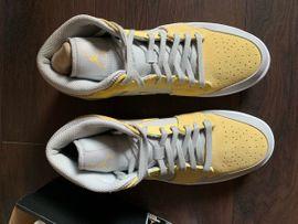 Nike Jordan 1 mid Mixed: Kleinanzeigen aus Niedernberg - Rubrik Schuhe, Stiefel