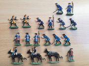 Zinnsoldaten 17 Stück versch Soldaten
