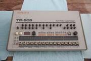Roland TR 909 Drumcomputer in