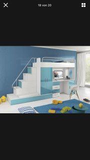 Hochbett mit Treppe Schreibtisch Kleiderschrank