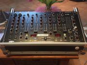 Club Mixer DJ-700 U Mc