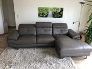 Kunstleder-Couch muss am 25 5