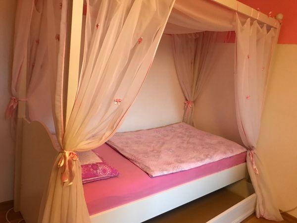 Himmelbett Neuwertig inkl Bettkasten Matratze