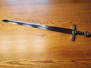 Über 45 Schwerter Marto Schaukampf