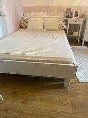 Bett weiß 120 cm breit