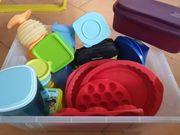 Eine Kiste Div Tupperware Artikel