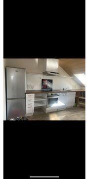 Küche mit E-Geräten Küchenzeile