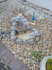 Gartenbrunnen im guten Zustand