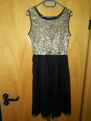 Mädchen Kleid mit Payetten Gr