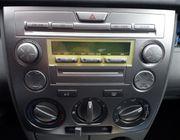Biete Autoradio für Mazda 2