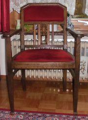 Herren - Stuhl mit rotem Bezug