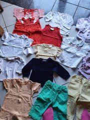 Schönes 24 teiliges Kleidungspaket für