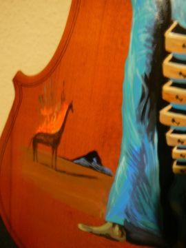 Streich- und Zupfinstrumente - Gemälde Dali brennende Giraffe auf