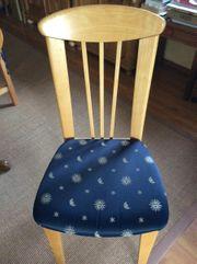 vier Stühle aus Buche