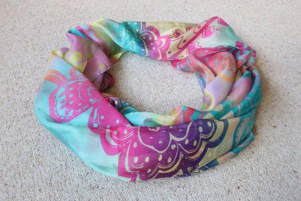 Verkaufe Schals 100 Seide Nicki-Tücher