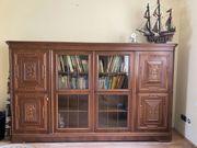 Elegantes Antikes Sideboard aus Holz