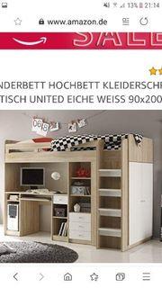 Kinderhochbett mit Schreibtisch und Kleiderschrank
